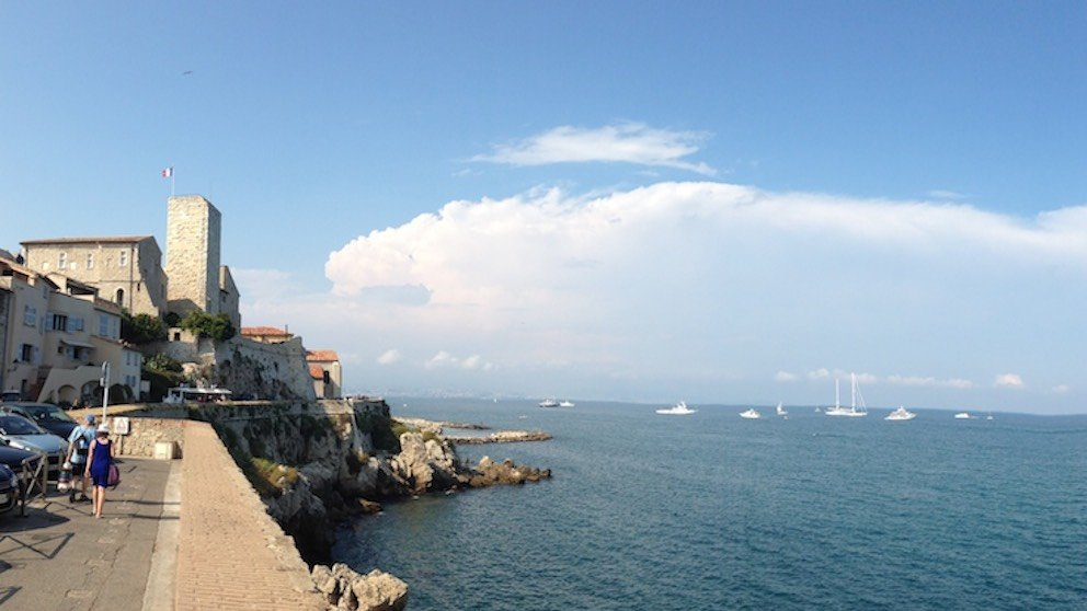 Antibes seawall and seascape seen during a day trip with Sunny Days Prestige Travel. Image courtesy: Justin Sawyer