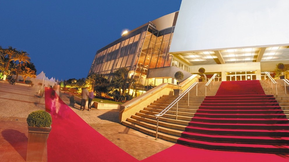 Palais des Festivals, Cannes, seen during a day trip with Sunny Days Prestige Travel. Image courtesy: http://www.hotel-plm.com