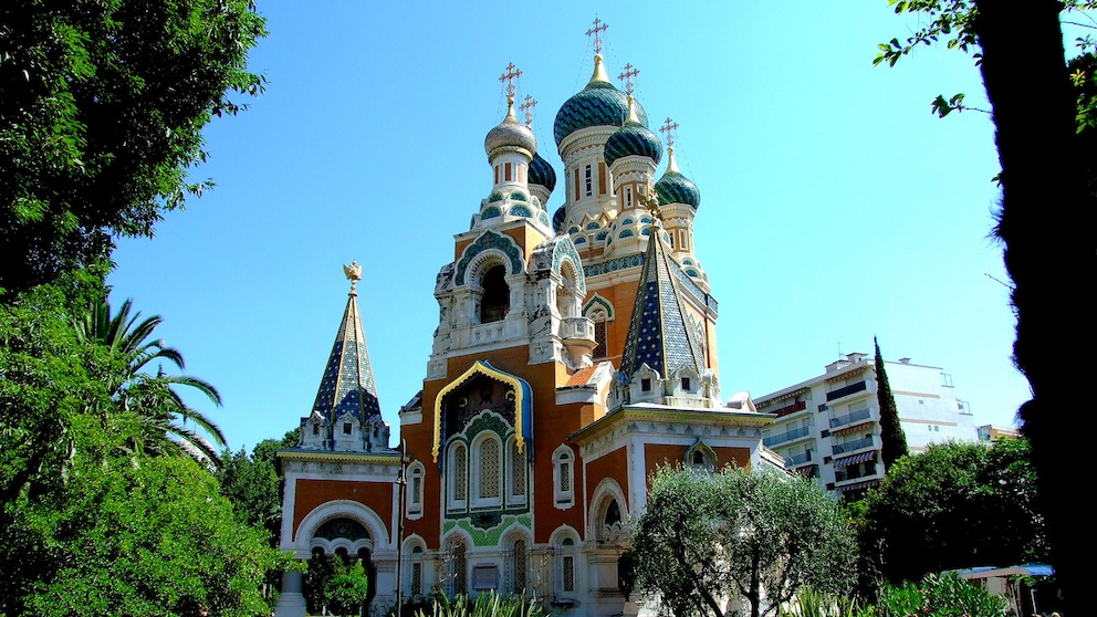 Russian Orthodox Church, Nice, seen during a sightseeing day trip with Sunny Days Prestige Travel. Image courtesy: http://www.panoramio.com (http://www.google.com)